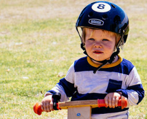 赤ちゃんを自転車に乗せる